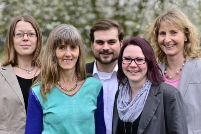 Kandidat*innen von links nach rechts: Lena Wickenkamp (Platz 2), Marita Brormann (Platz 3), Alexander Ringbeck (Platz 4), Saskia Kaiser (Platz 5) und Barbara Köß (Platz 1)
