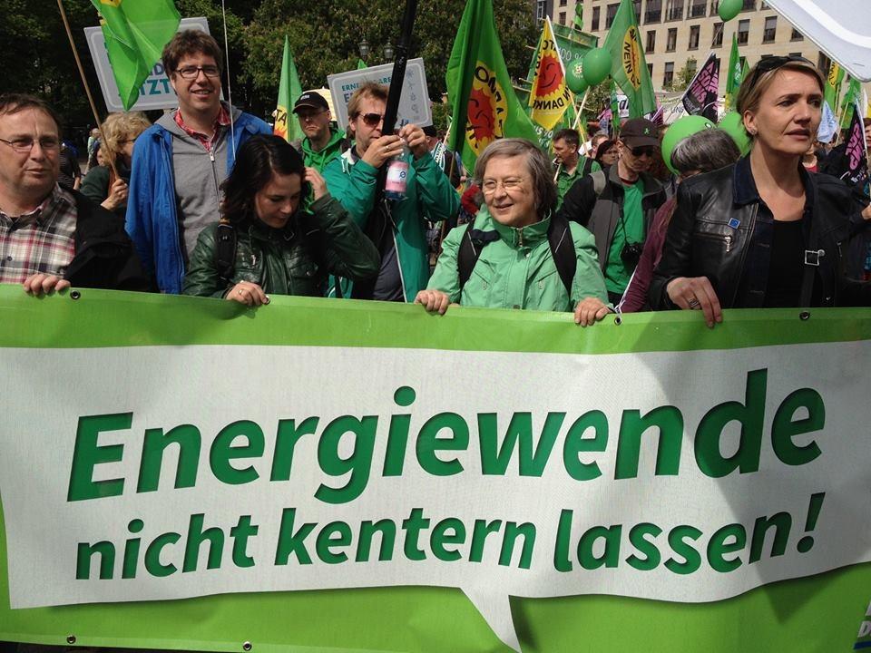 Bärbel Höhn am Samstag bei einer Energiewende-Demo in Berlin