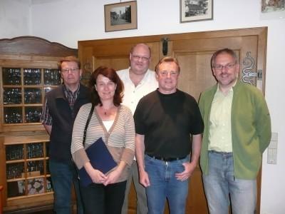 Der neue und alte Ortsverband-Vorstand: Heiner Sudan (Kassierer), Marele Empting (Kassenprüferin), Ludger Wiesch (stellv. Kassierer), Wolfgang Thomann (Vorsitzender) und Ulrich Gimpel (stell. Vorsitzender).