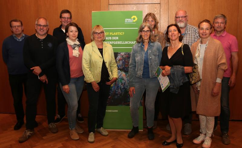 Die Oelder Ratsfraktion und einige Mitglieder des Ortsverbands nach der gelungenen Veranstaltung mit Dr. Bettina Hoffmann (4. v.l.)