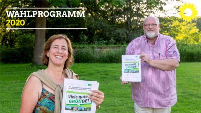 Die beiden Vorsitzenden von Bündnis90 / Die Grünen in Oelde: Pia Scuderi und Ludger Wiesch präsentieren das Wahlprogramm 2020