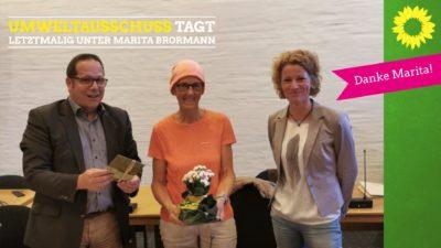 Marita Brormann (Mitte) mit dem Stadtbaurat André Leson und Klimaschutzmanagerin Stefanie Gröne